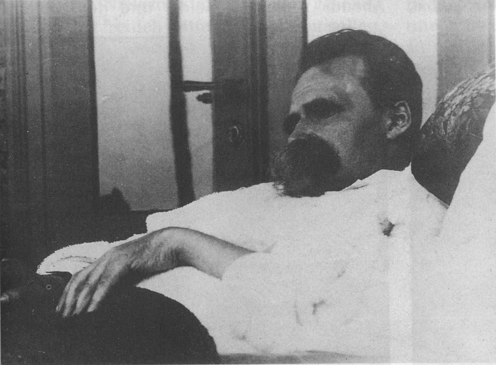 Friedrich Nietzsche - 1899 (11).jpg